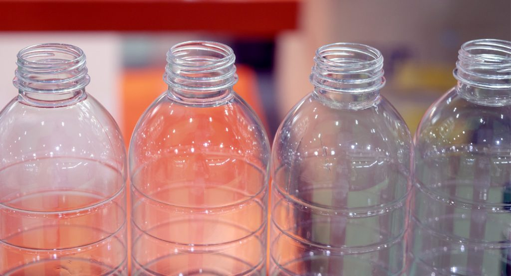 ペットボトルのブロー成形で使われる金型内面への離型コーティング